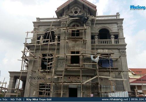 Hình ảnh thực tế thi công biệt thự kiểu Pháp 3 tầng nhà ông Long - Hải Dương