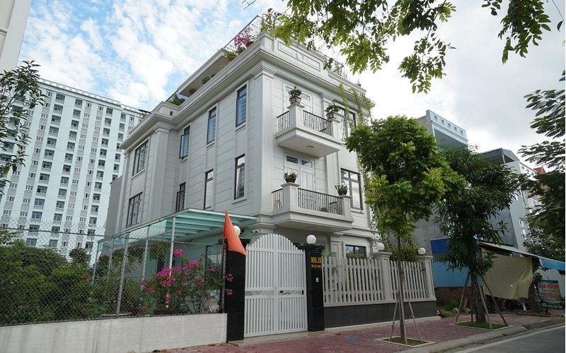 Thi công hoàn thiện biệt thự Pháp hiện đại 3 tầng gia đình ông Dương tại Hải Dương BT132